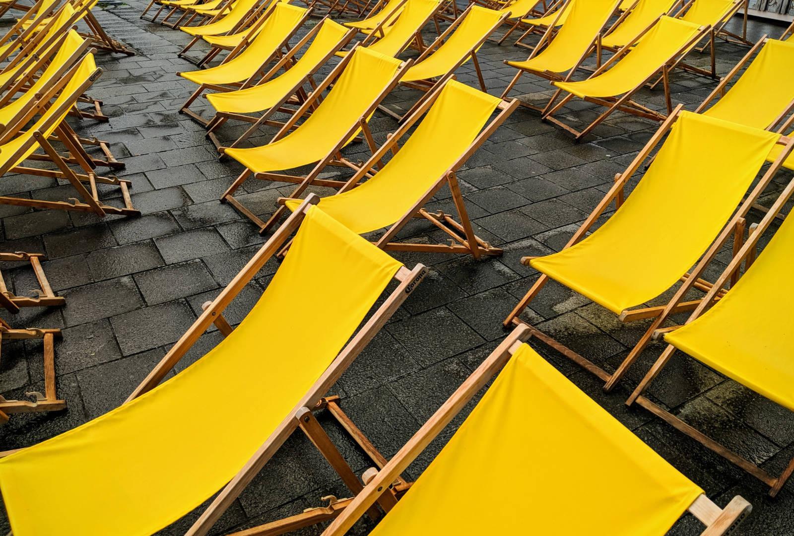 Evenementenmateriaal voor de terrassen van de Brusselse cafés en restaurants