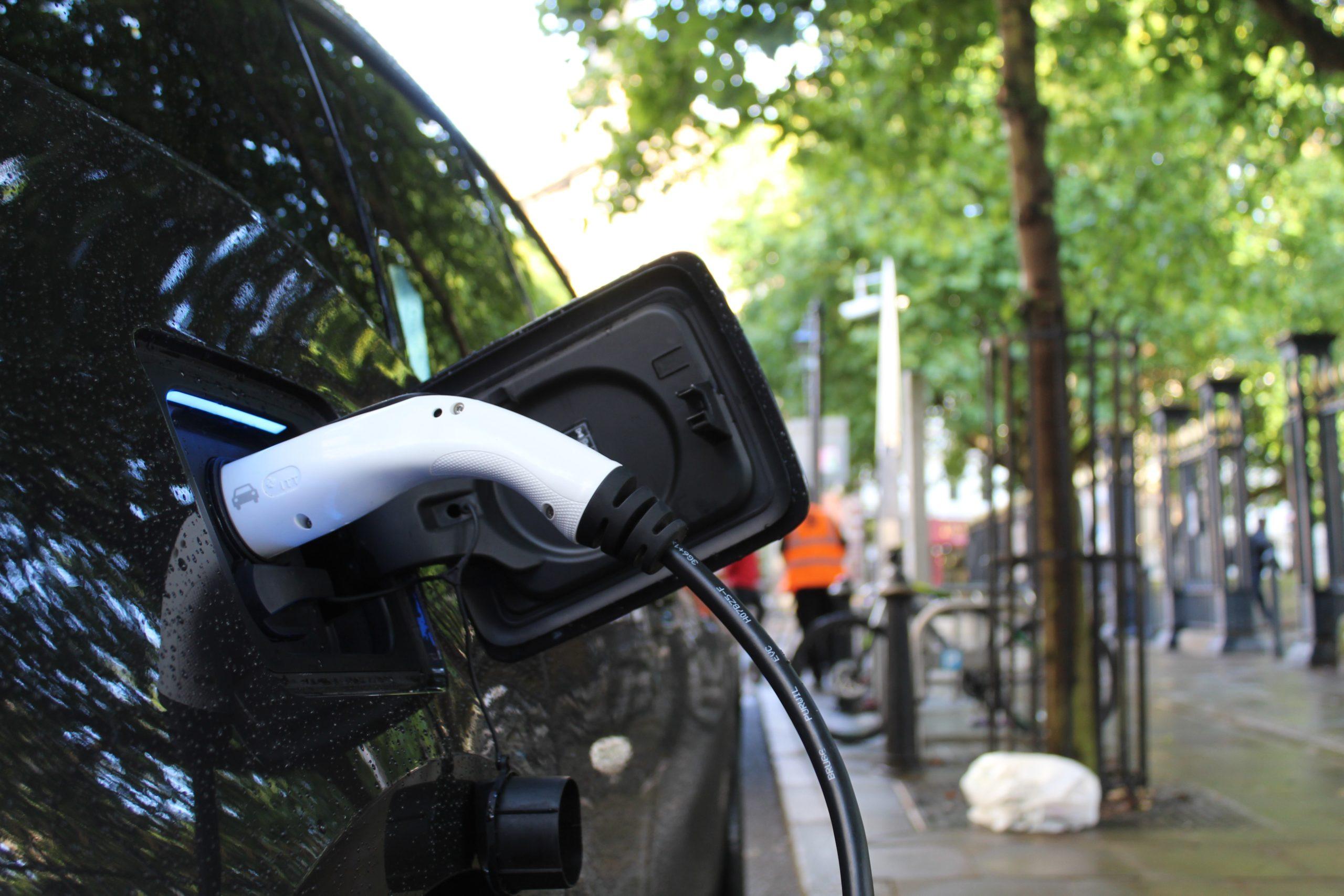 3e appel à projets BENEFIC pour un transport zéro émissions :  Bruxelles et la Flandre unissent leurs forces pour installer des bornes de recharge pour véhicules électriques et des points d'alimentation à quai